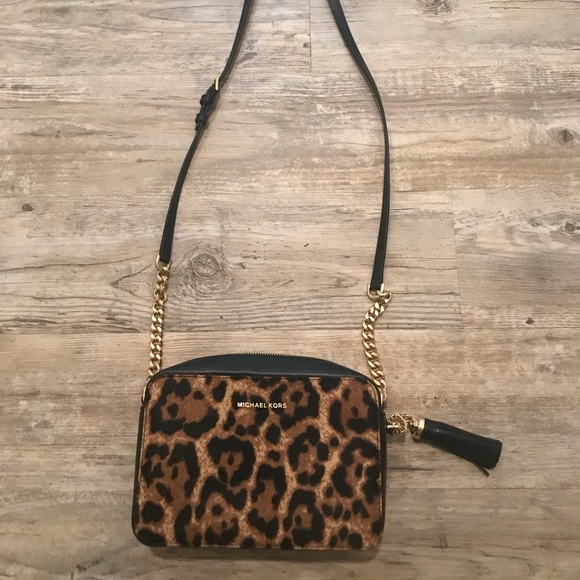 977c38908091 Michael Kors New With Tags Ginny Leopard Bag